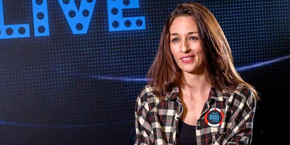 Кара Скотт - член команды 888poker