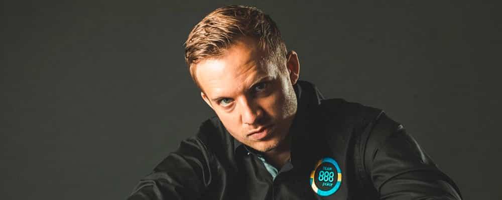 Мартин Якобсон покинул 888poker team.